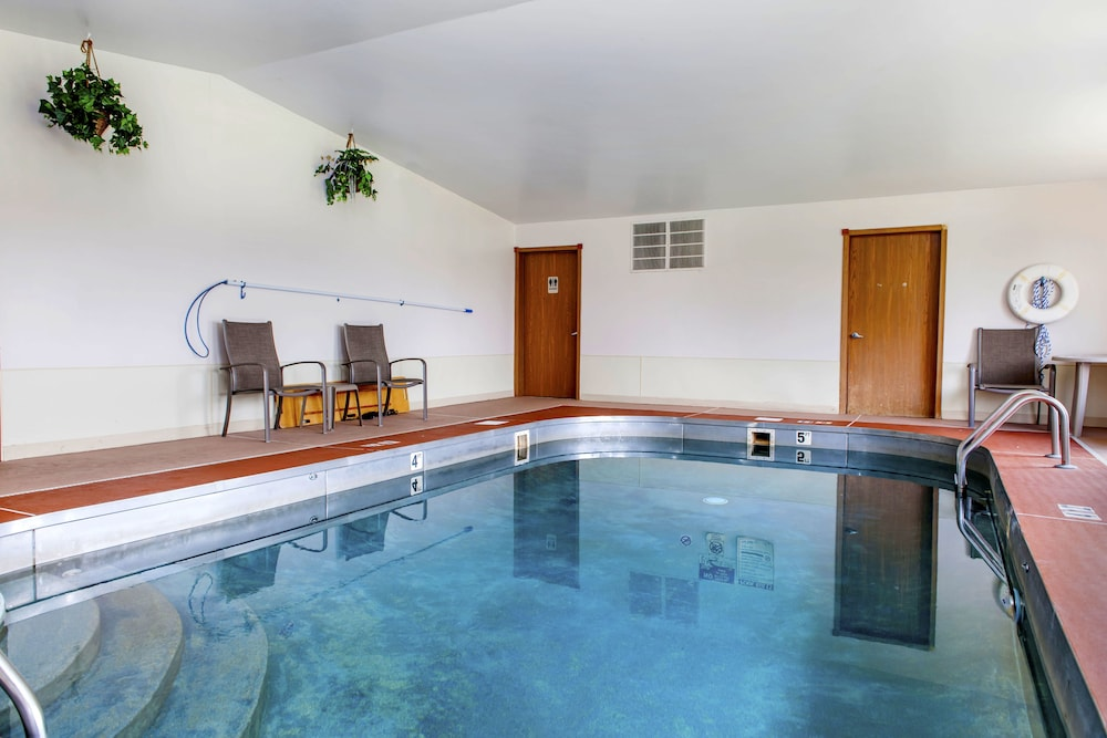 Quality Inn Batesville Indoor Pool