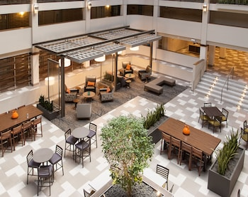 Picture of Embassy Suites by Hilton Bloomington/Minneapolis in Bloomington