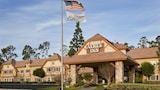 Choose This Business Hotel in Corona -  - Online Room Reservations