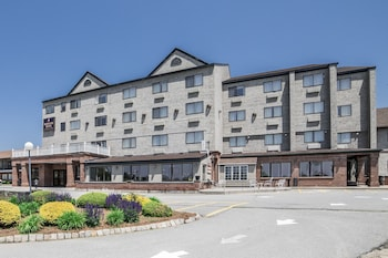 Picture of Mainstay Hotel & Conference Center in Newport