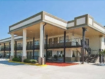 Picture of Days Inn by Wyndham Gonzales in Gonzales