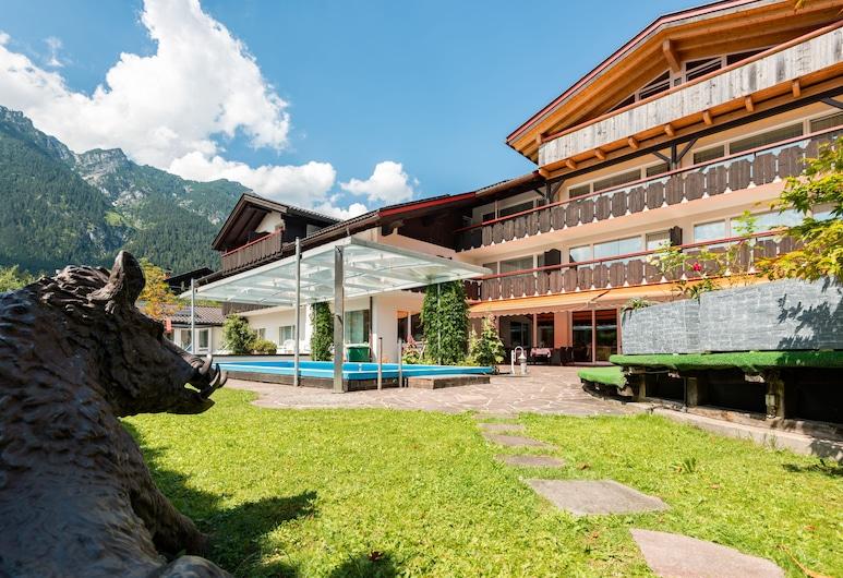 Hotel Rheinischer Hof, Garmisch-Partenkirchen, Terrace/Patio