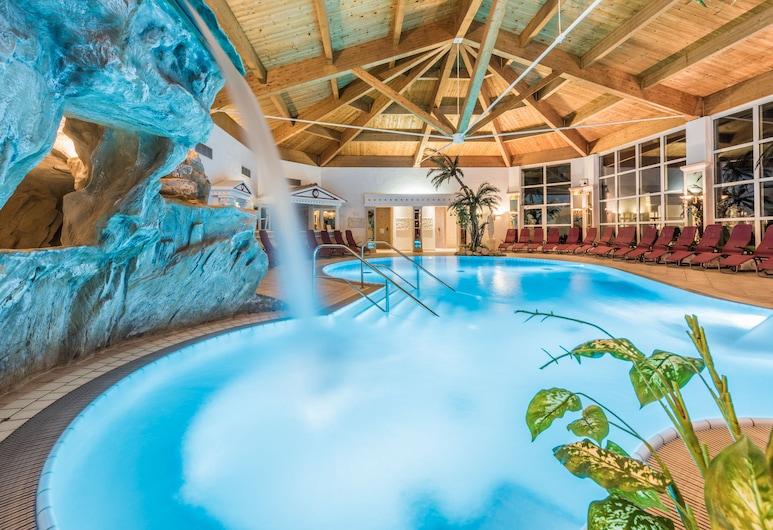 Lisi Family Hotel, Reith bei Kitzbühel, Pool-Wasserfall
