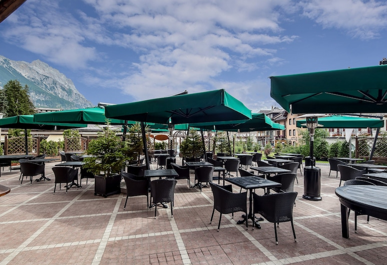 Hotel Bellevue Suites & SPA, Cortina D'ampezzo, Αίθριο/βεράντα