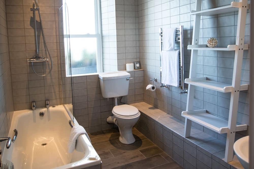 Executive Room, 1 Double Bed, Non Smoking - Bathroom