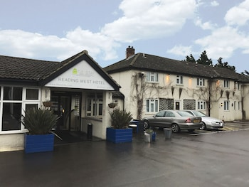 Picture of Flexistay Reading West Aparthotel in Reading