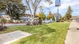 Reserve this hotel in Yreka, California