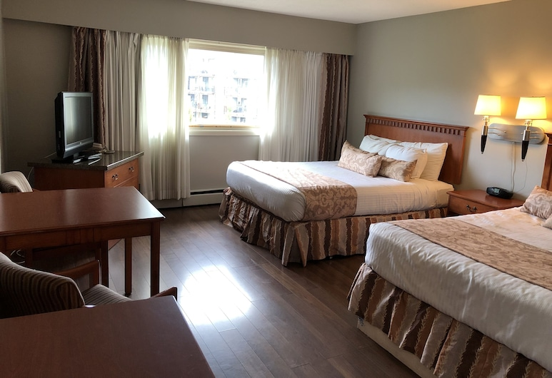 Harbourside Inn, Campbell River, Deluxe Quadruple Room, 2 Queen Beds, Refrigerator & Microwave, Partial Ocean View, Guest Room