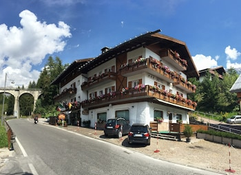 Picture of Hotel Meublé Villa Neve in Cortina d'Ampezzo