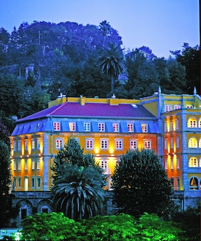 Enter your dates to get the Amarante hotel deal