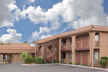 Picture of Howard Johnson Hotel & Suites by Wyndham St. George in St. George