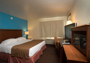 Enter your dates to get the Lincoln hotel deal