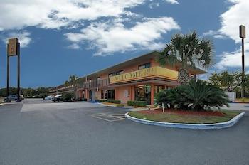 Kuva Super 6 Inn & Suites-hotellista kohteessa Pensacola