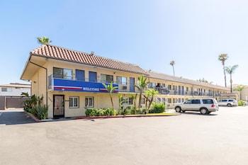 Picture of Motel 6 UCR Riverside in Riverside