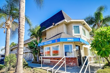 Book this In-room accessibility Hotel in Riverside