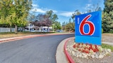 Choose this Motel in Santa Rosa - Online Room Reservations