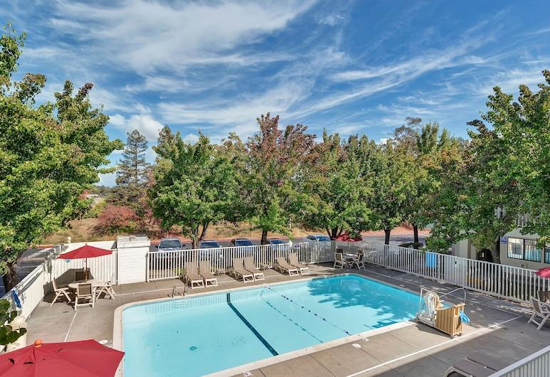 加利福尼亞聖羅莎 - 北 6 號汽車旅館, 聖羅莎, 游泳池