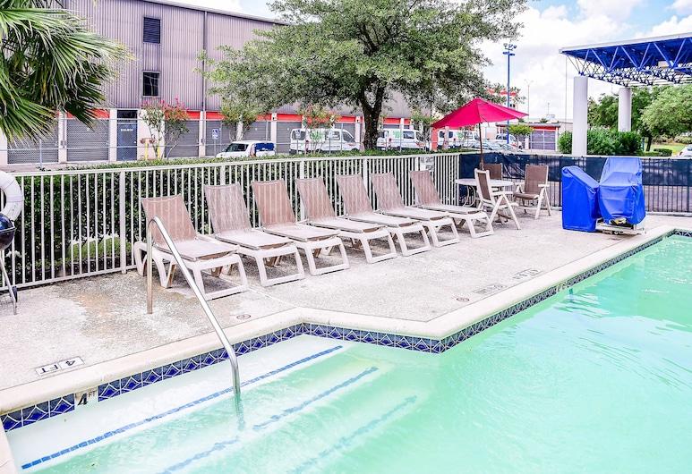 Memorial Inn, Houston, Hồ bơi