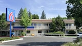 Picture of Motel 6 Weed - Mount Shasta in Weed