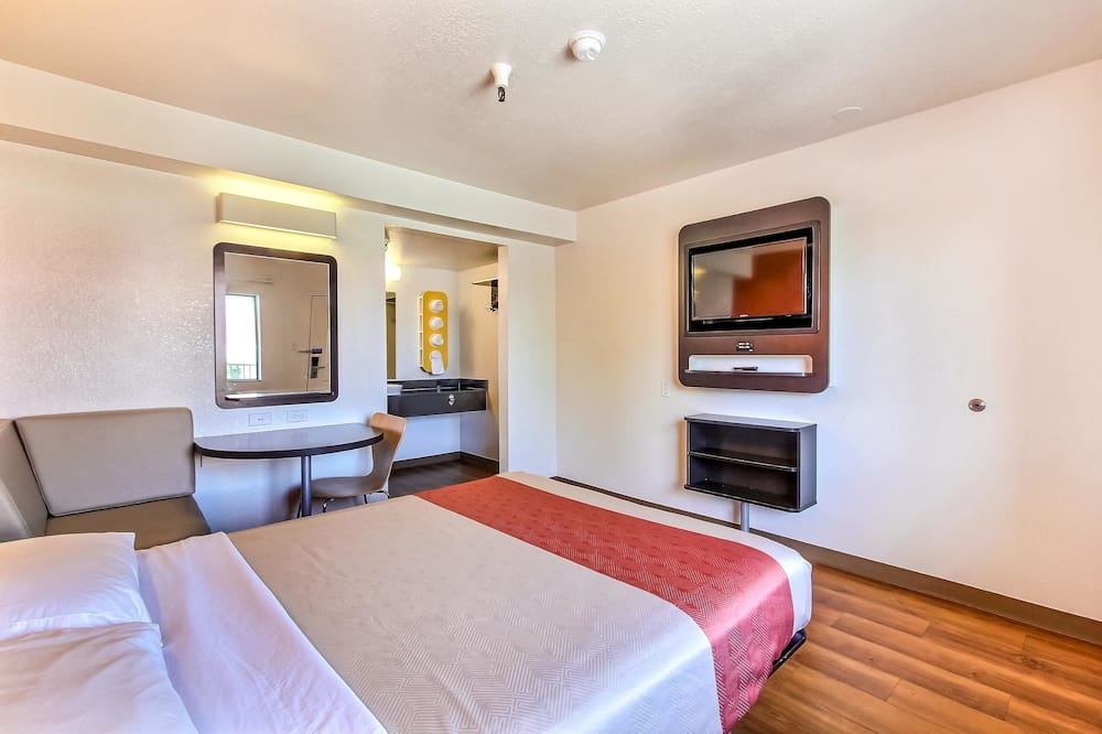 Standard Room, 1 Queen Bed, Accessible, Non Smoking - Guest Room