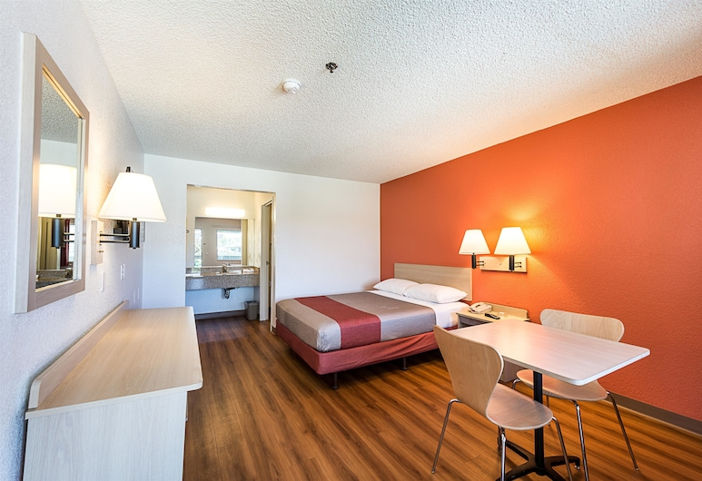 Motel 6 Sparks, NV - Airport - Sparks, Sparks, Standard Room, 1 Queen Bed, Non Smoking, Guest Room