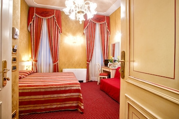 Choose This Cheap Hotel in Venice