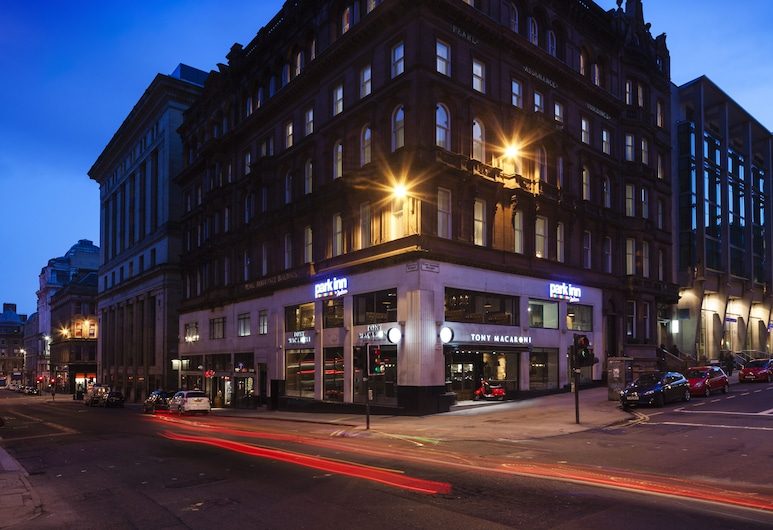 Park Inn by Radisson Glasgow City Centre, Glasgow, Hotel Front – Evening/Night