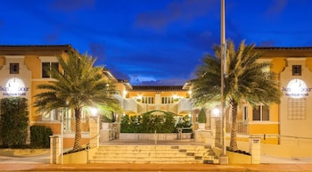 Picture of Sun Harbour Boutique Hotel in Surfside