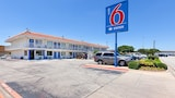 Book this In-room accessibility Hotel in North Richland Hills