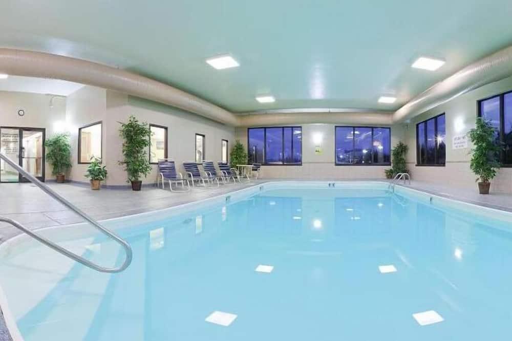 Hồ bơi trong nhà