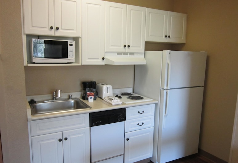 Extended Stay America - Orlando - Lake Buena Vista, Orlando, Deluxe Studio, 1 King Bed with Sofa bed, Non Smoking, In-Room Kitchen