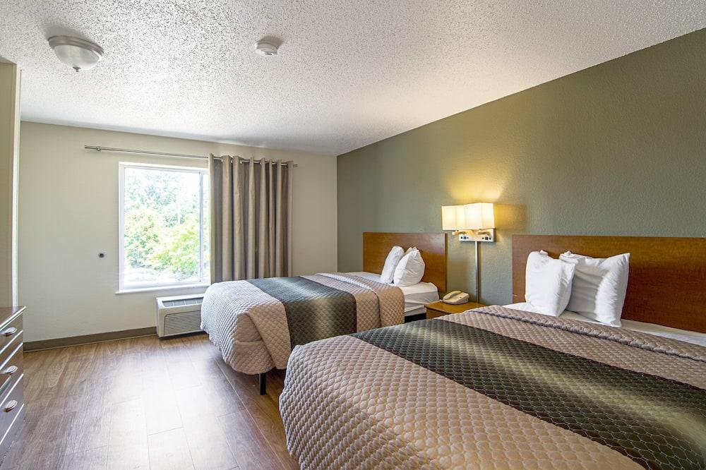 Standard Studio, 2 Double Beds, Non Smoking - Guest Room