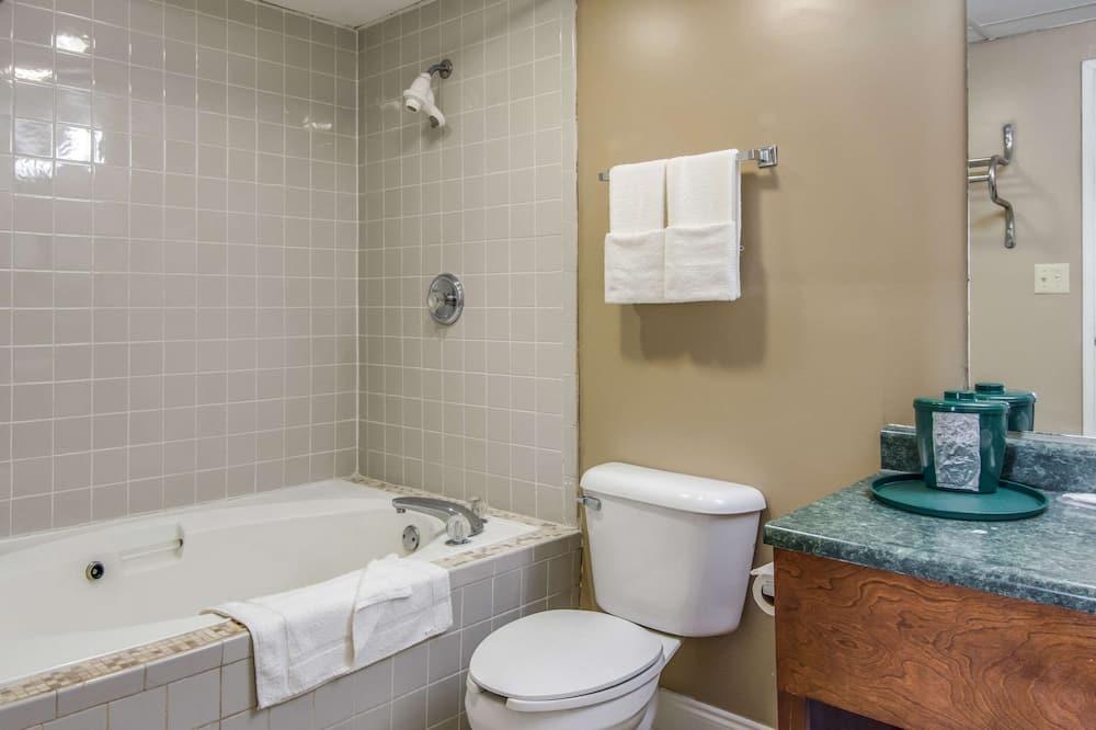 Standard Δωμάτιο, 2 Queen Κρεβάτια, Καπνιστών - Μπάνιο