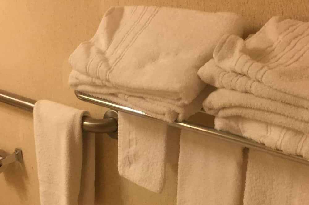 客房, 2 張標準雙人床, 無障礙 - 浴室