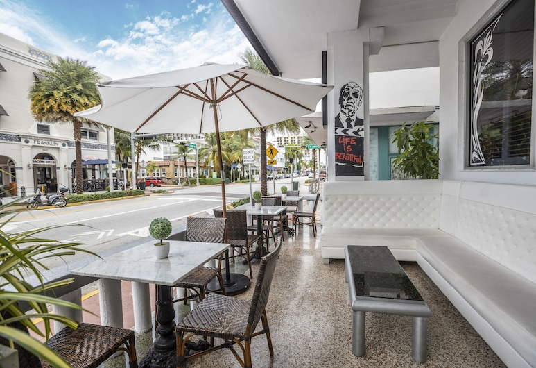 Chesterfield Hotel & Suites, a South Beach Group Hotel, Miami Beach, Terrace/Patio