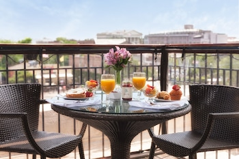 Enter your dates to get the Charleston hotel deal