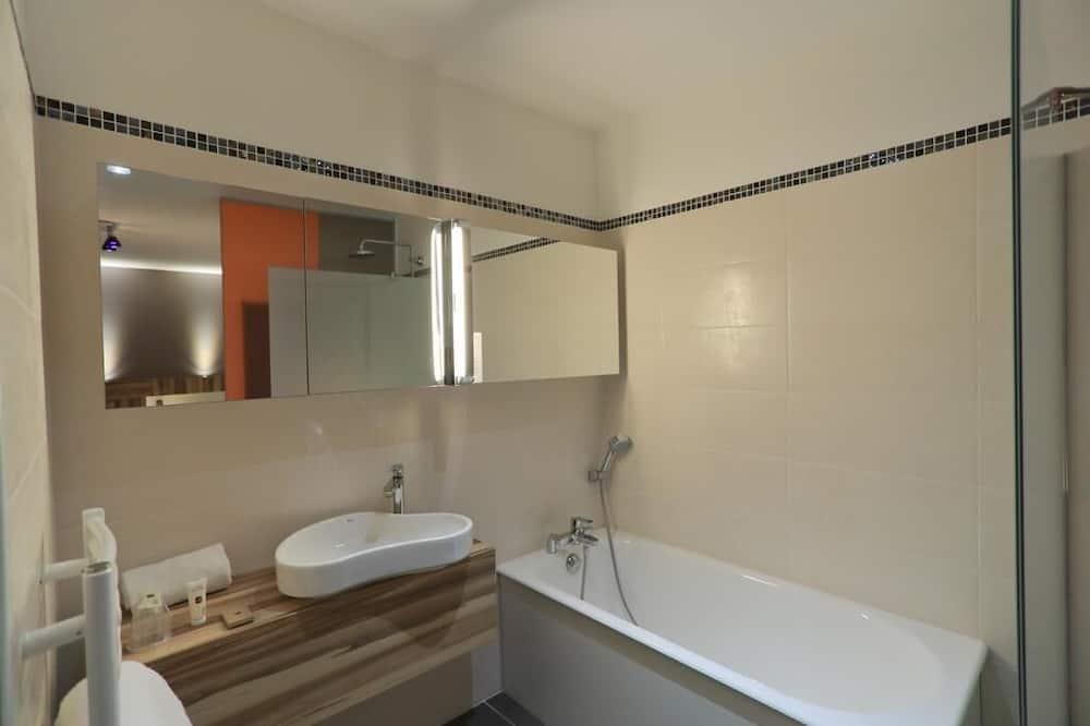 Privilege Double Room - Bathroom