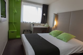 Choose This 3 Star Hotel In Paris