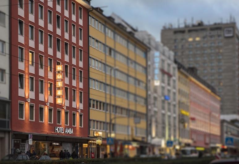 Hotel Amba, München, Hotelfassade