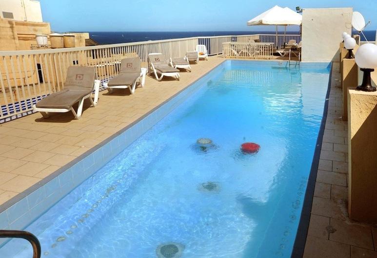 Diplomat Hotel, Sliema, Bazén na streche