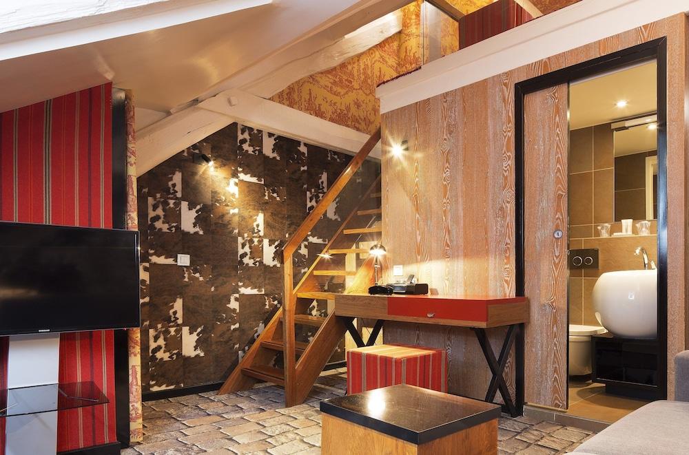 book h tel le notre dame saint michel in paris. Black Bedroom Furniture Sets. Home Design Ideas