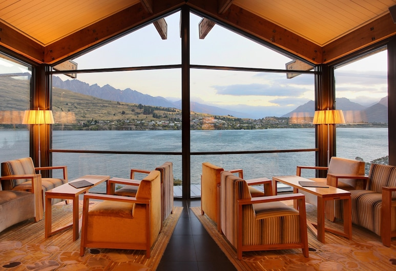 The Rees Hotel and Luxury Apartments, Queenstown, Hotel Bar