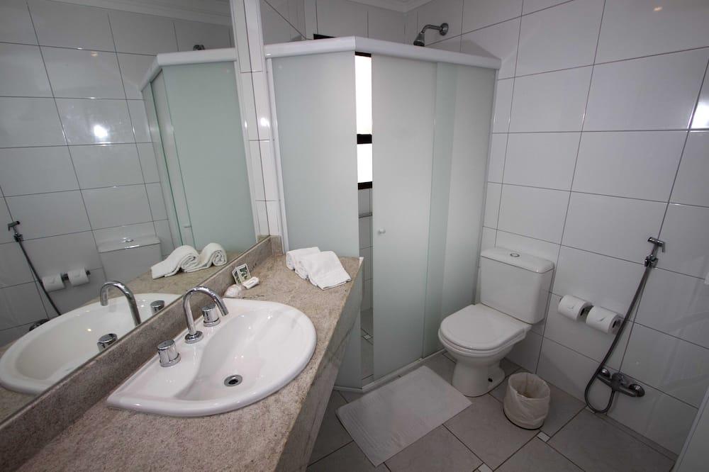 דירה (2 camas de solteiro com sofá-cama) - חדר רחצה