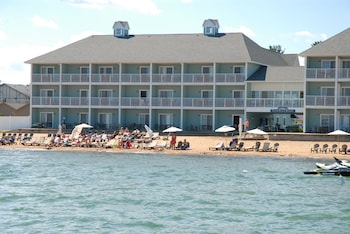 Enter your dates to get the Traverse City hotel deal