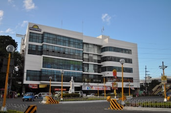 Picture of Days Hotel Iloilo in Iloilo