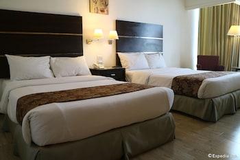 Picture of Days Hotel Iloilo in Iloilo