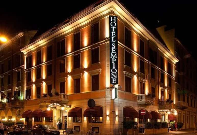 Hotel Sempione, Milano, Facciata hotel (sera/notte)