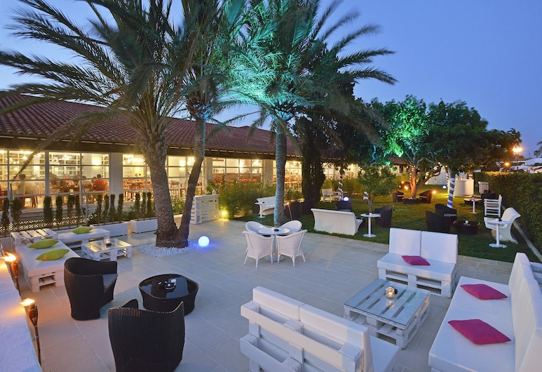 索爾法爾科全包酒店, Ciutadella de Menorca, 酒店酒吧