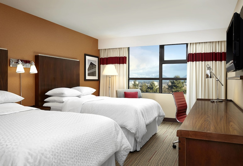 Four Points by Sheraton Vancouver Airport, Richmond, Room, 2 Double Beds, Non Smoking, Guest Room