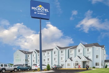 Picture of Microtel Inn & Suites by Wyndham Lincoln in Lincoln